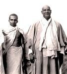 Krishnananda_and_Sivananda_1945